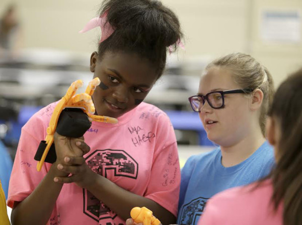 Students and teachers at the Hand-A-Thon event sponsored by Discovery Education and The Belk Service Learning Challenge in Columbia, S.C., Friday, May 29, 2015. (Photo/Bob Leverone)